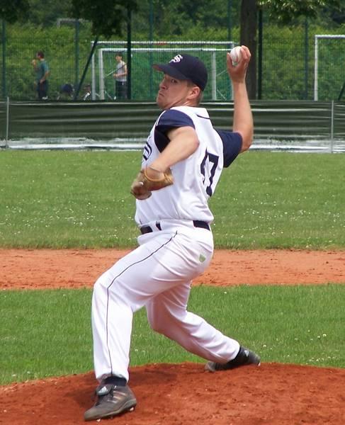 Holger Koch (24) markierte für dei Schanzer als Werfer den wichtigen SIeg im ersten Spiel gegen die Bad Homburg Hornets.